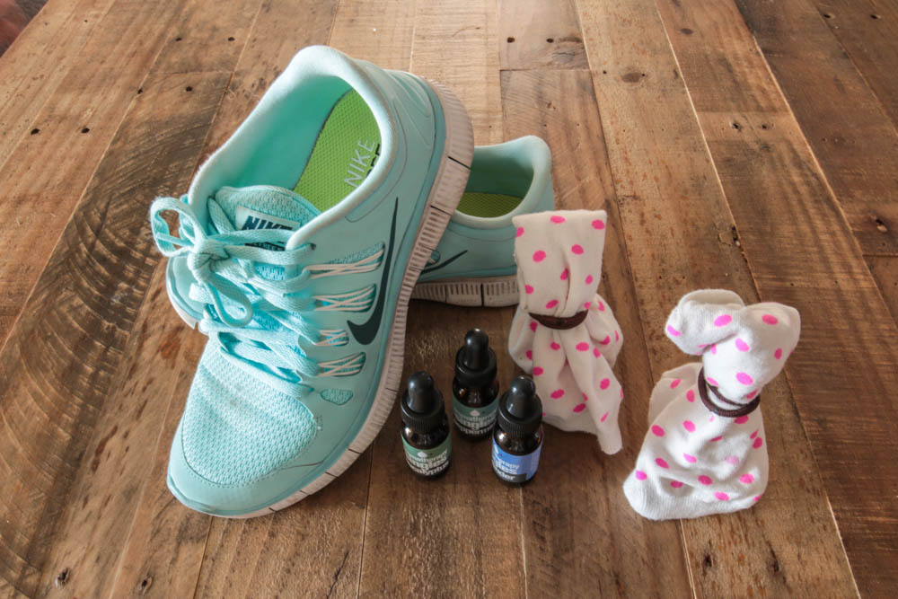 DIY Shoe Pourri Recipe With Socks Rubber Bands